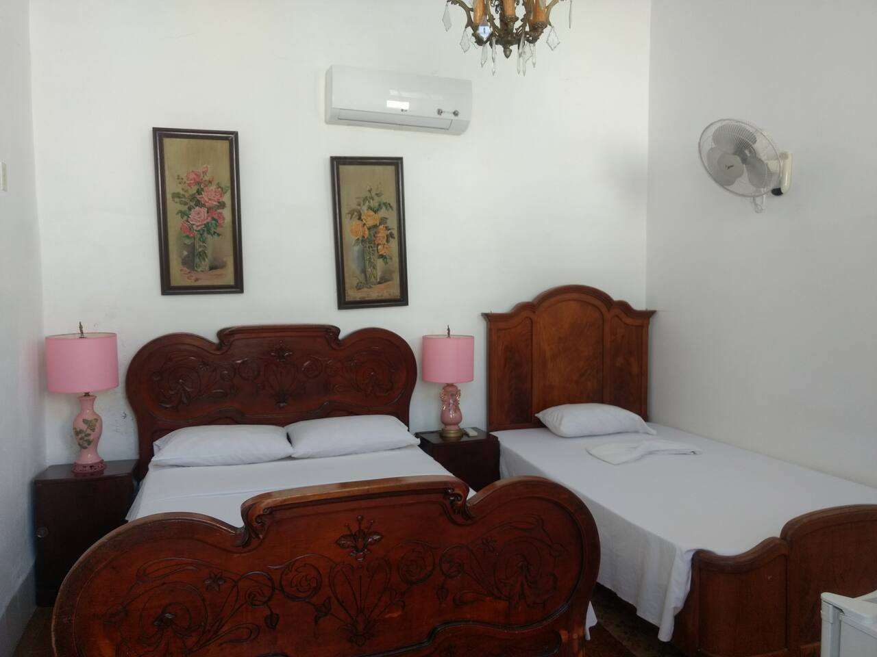 CIE002 – Room 2 Triple room with private bathroom