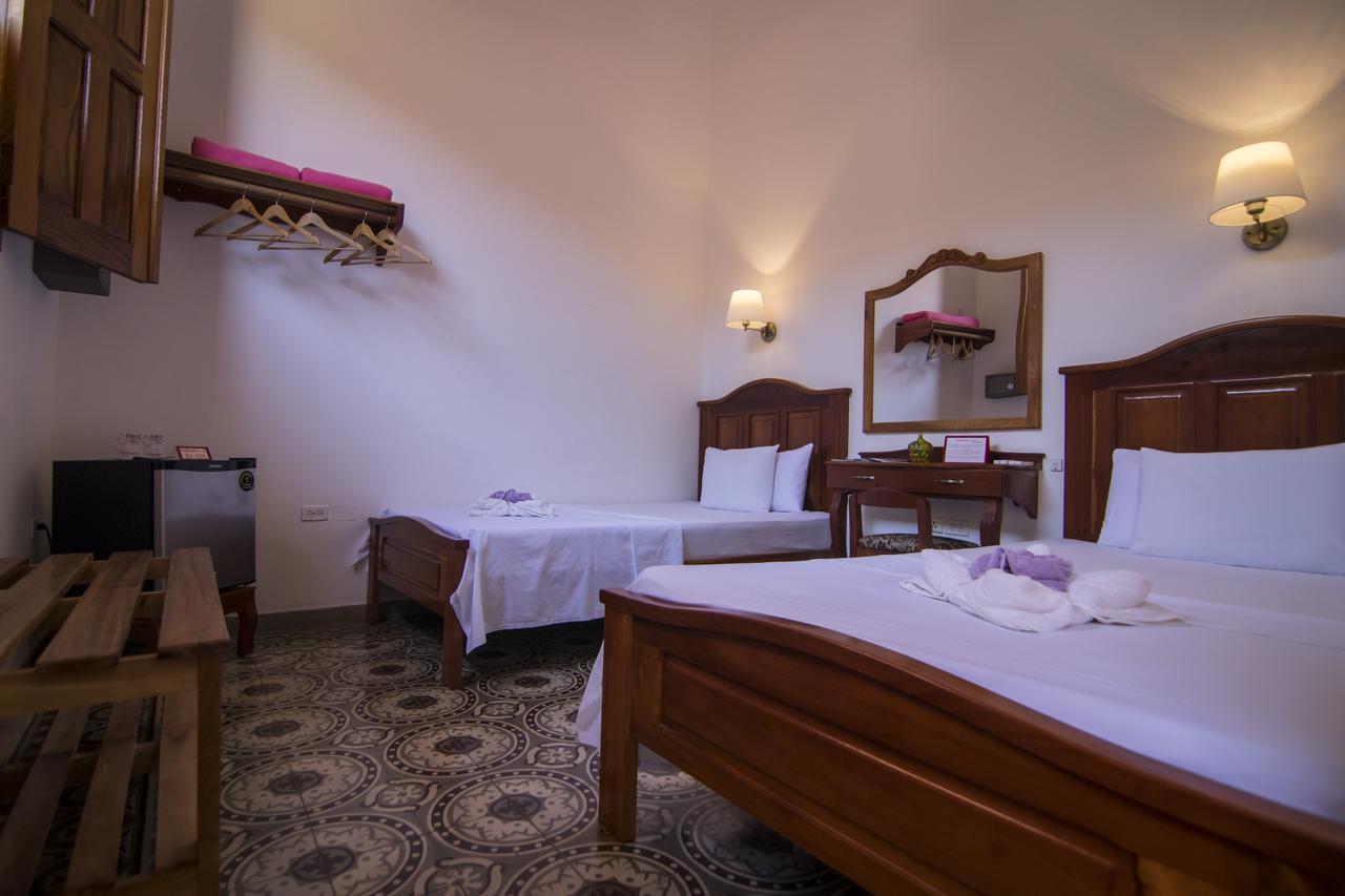 CIE004 – Room 1 Quadruple room with private bathroom
