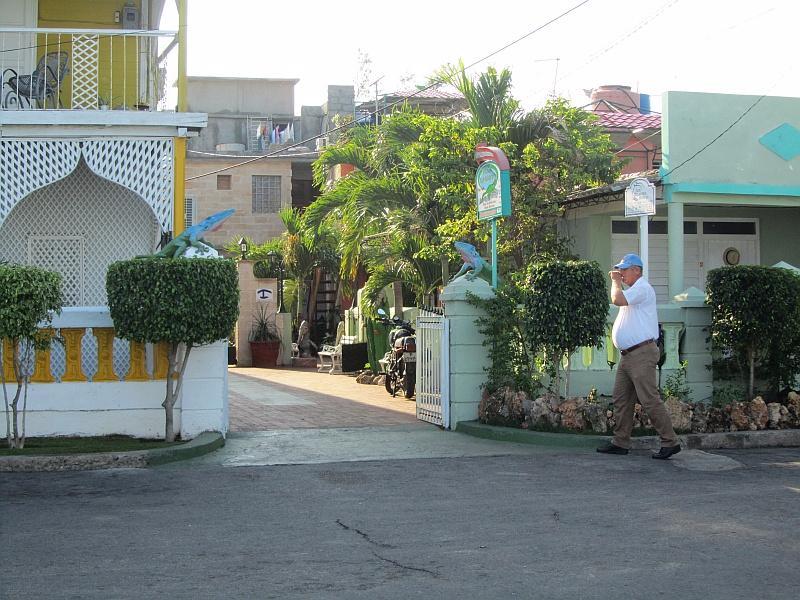 CIE104 - Hostal Los Delfines