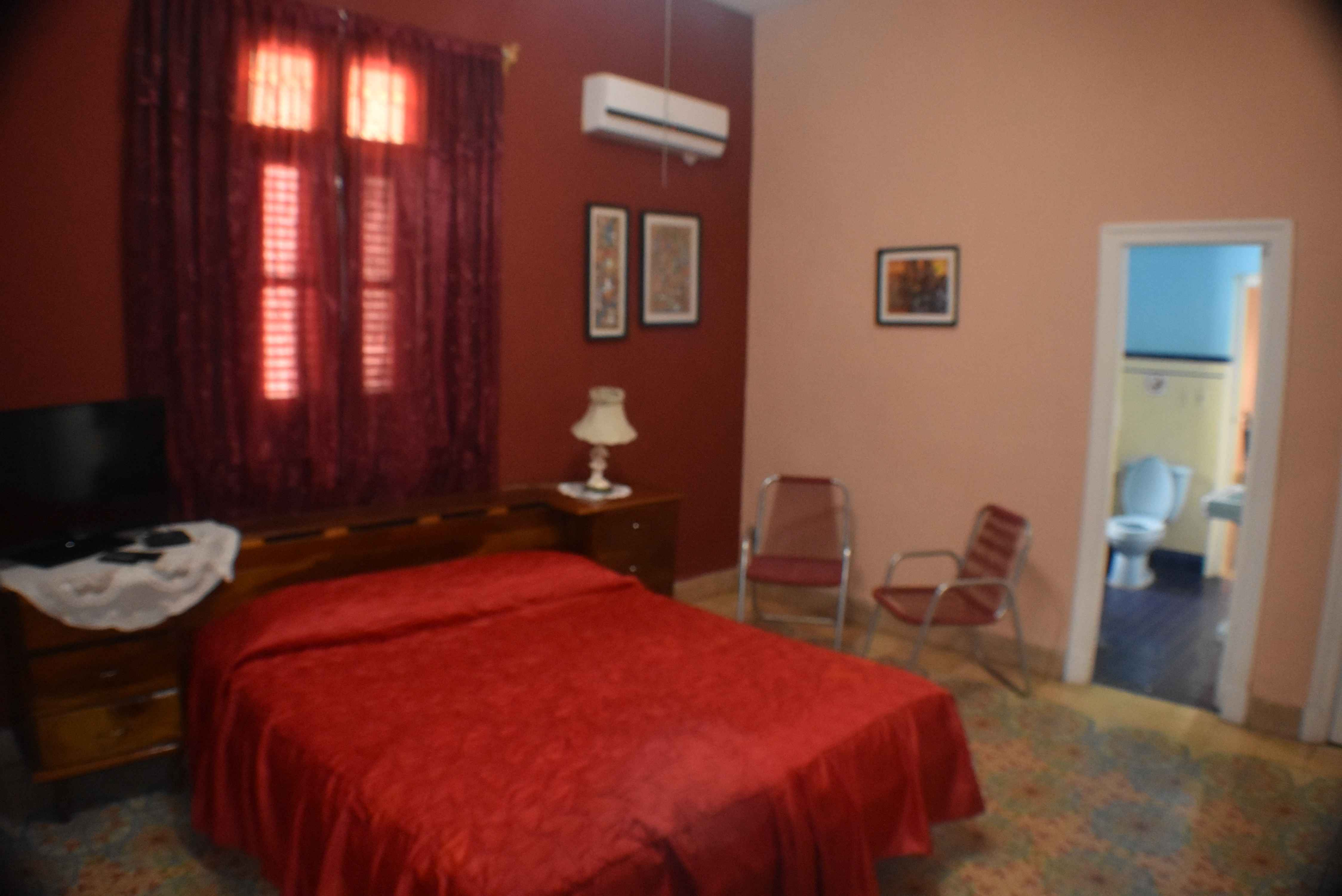 HAV509 – Room 1 Double room with private bathroom