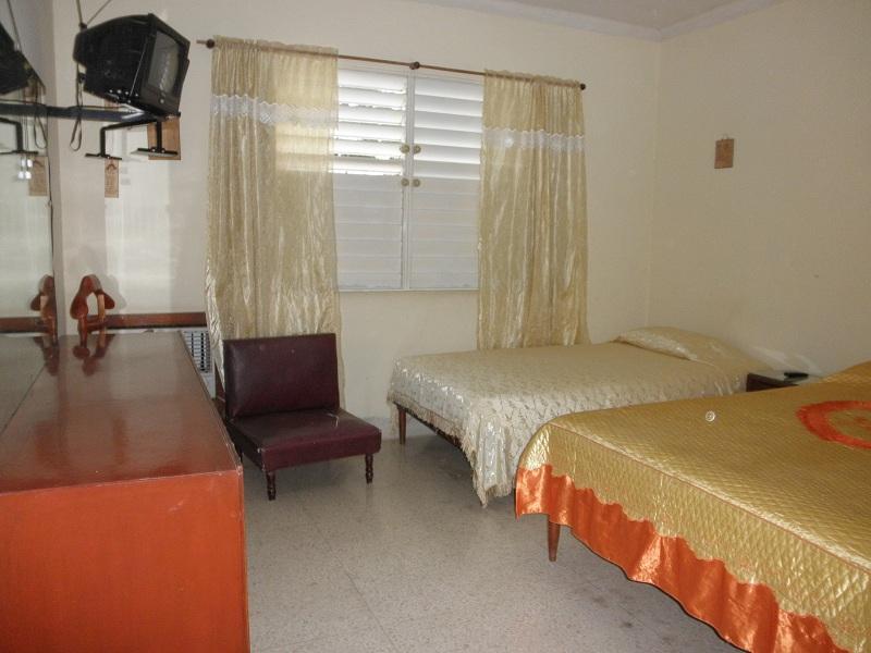 HOL001 - Room 2 Triple bedroom with private bathroom