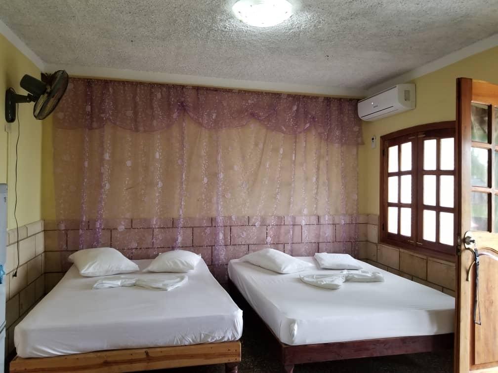 PES003 – Room 3 Quadruple room with private bathroom