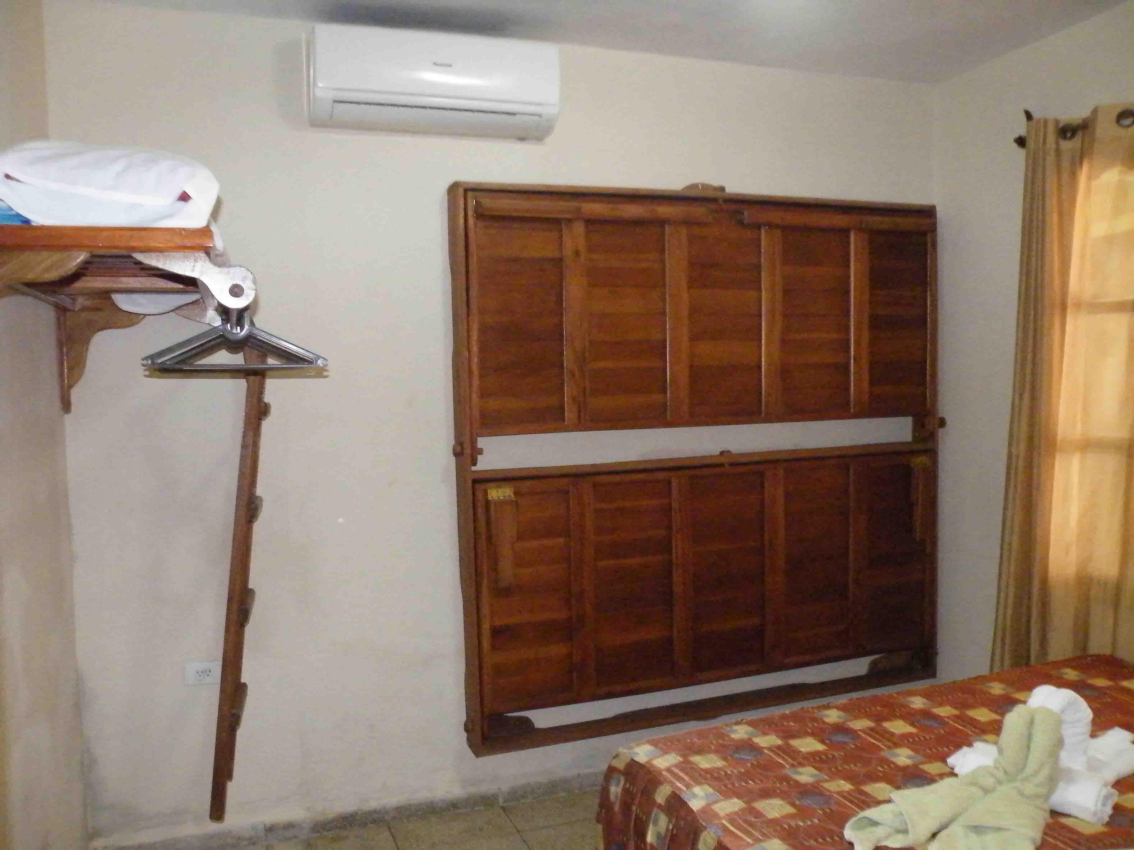 PYL001 – Room 1 Quadruple room with private bathroom