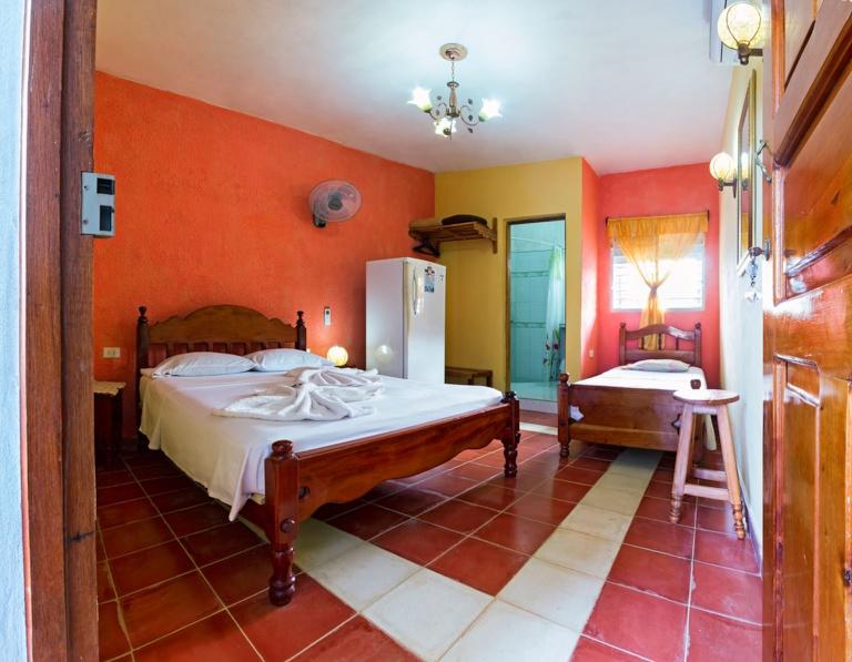 TRN001 – Room 2 Triple bedroom with private bathroom