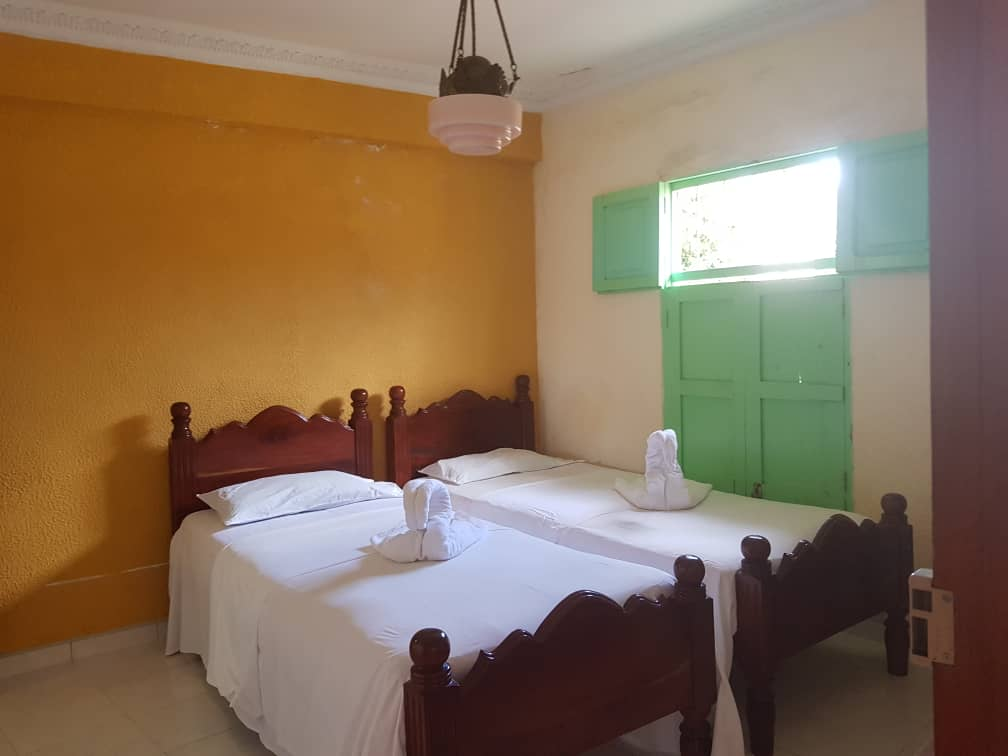 TRN025 – Room 1 Double room with private bathroom