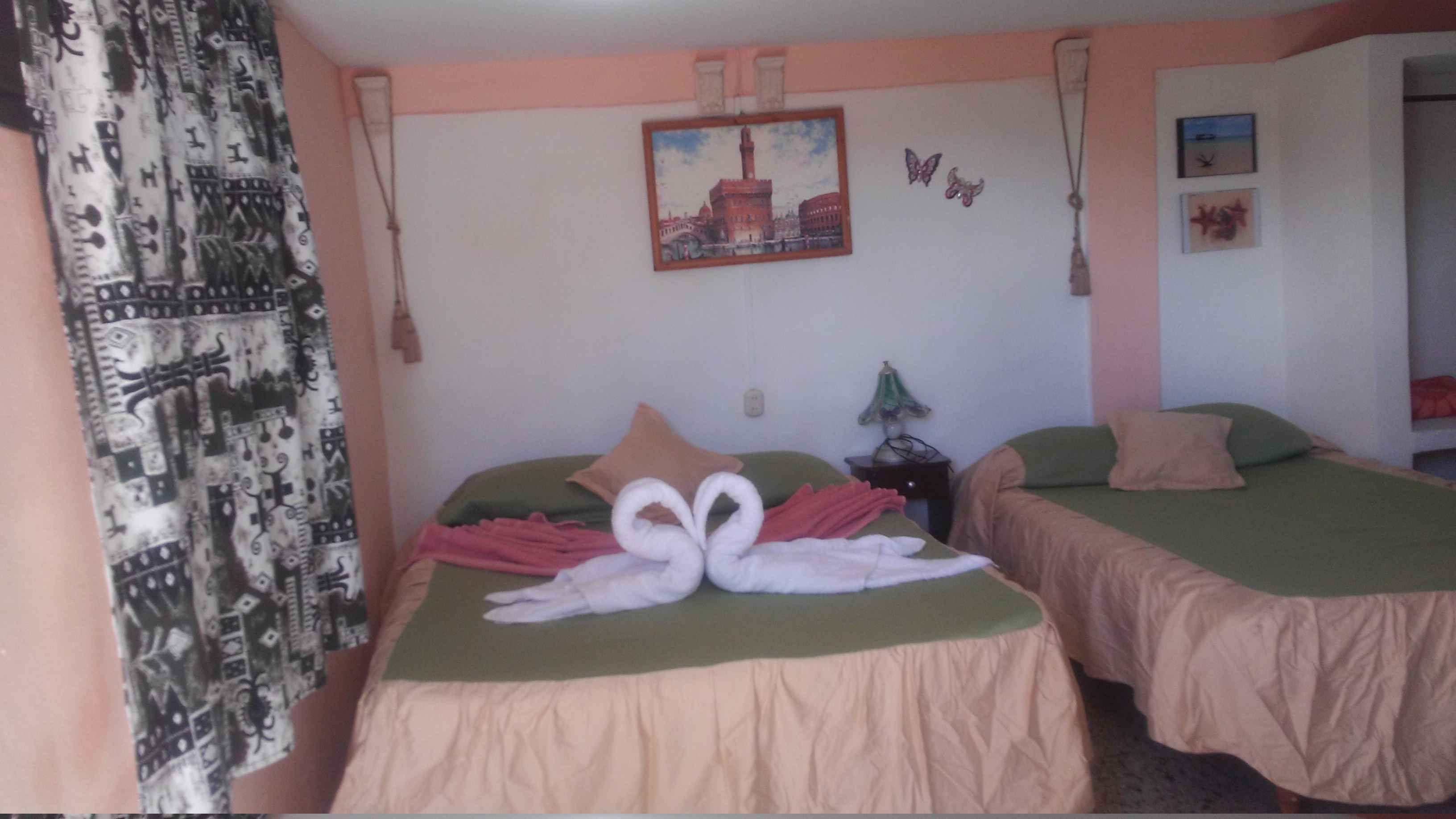 VAR021 – Room 2 Quadruple room with private bathroom