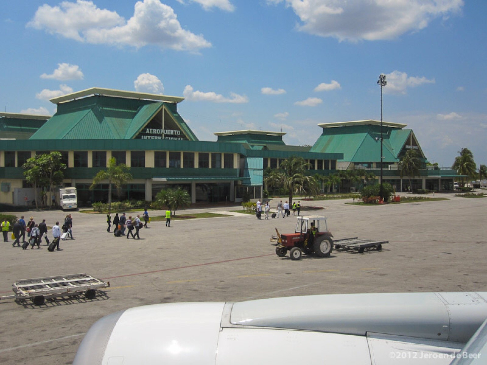 Holguin Airport to downtown