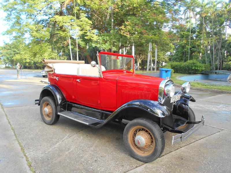 Classic American Ford Car Member's Club