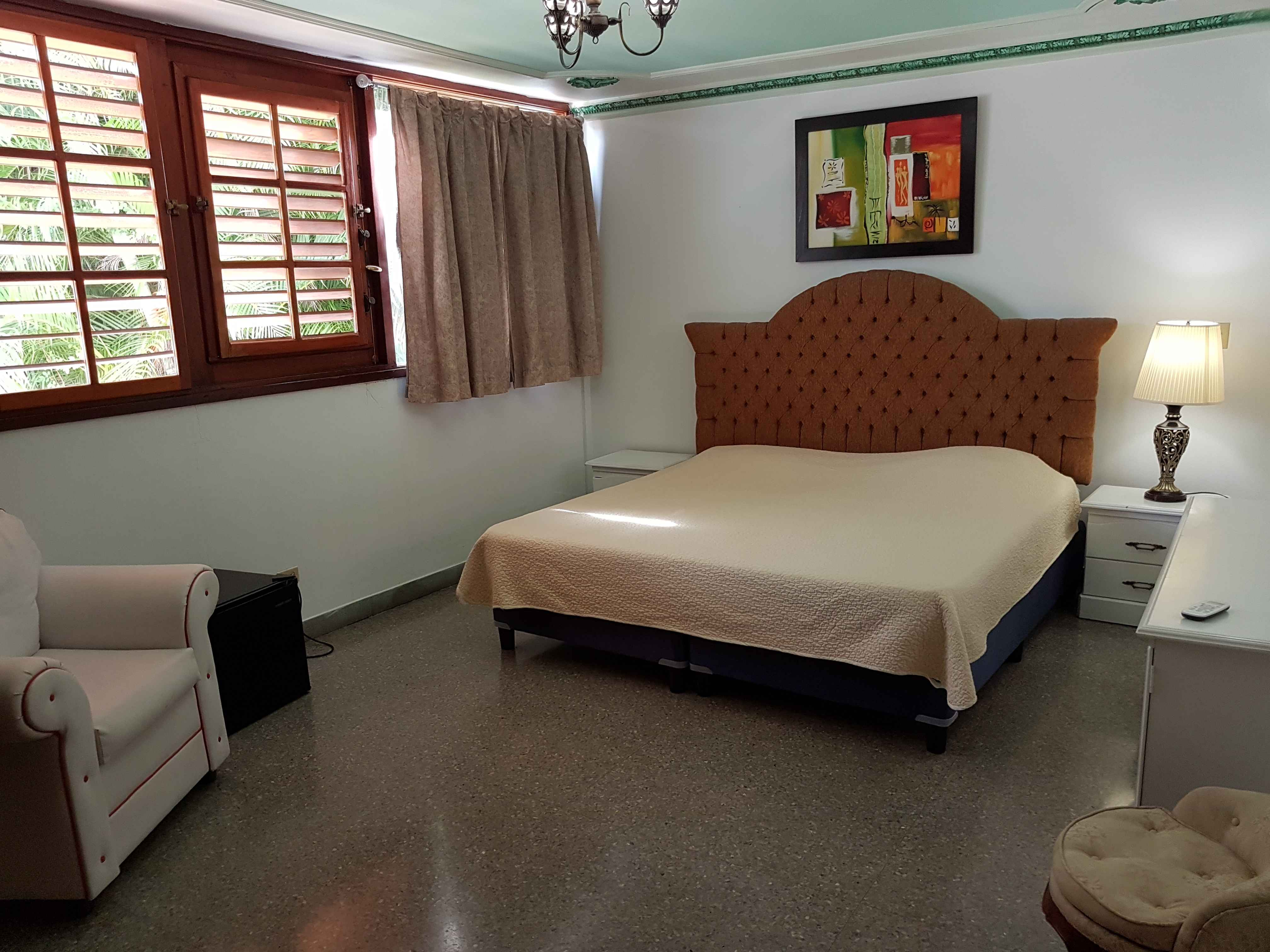 HAV408 – Room 3 Double room with private bathroom