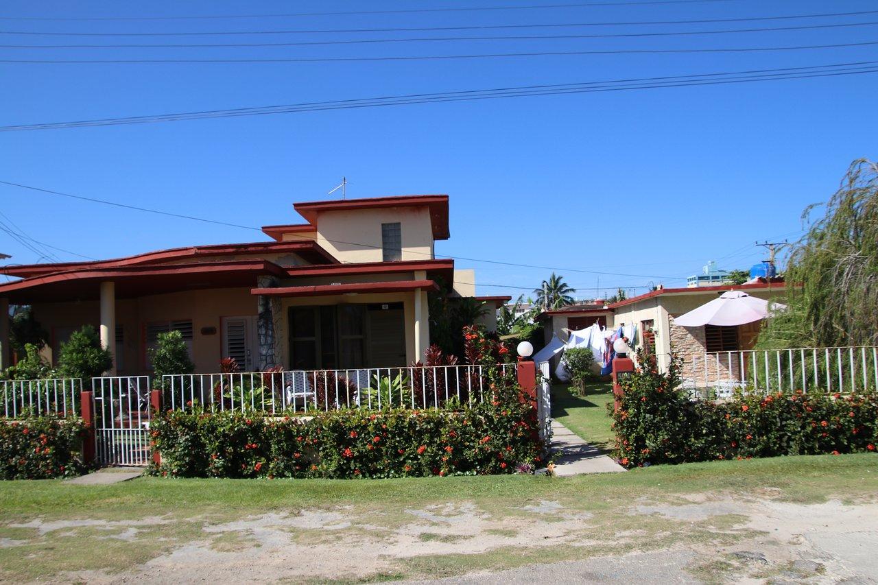 VAR015 - Brothers' House